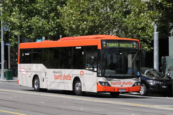 Free Melbourne City Tourist Shuttle on La Trobe Street with #42 1042AO