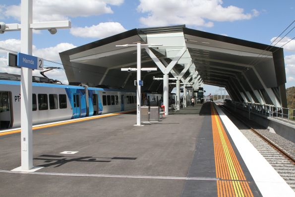 X'Trapolis train at Mernda station