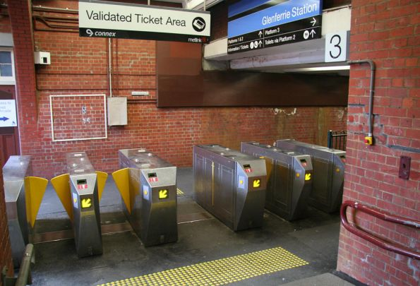 Metcard barriers at Glenferrie station