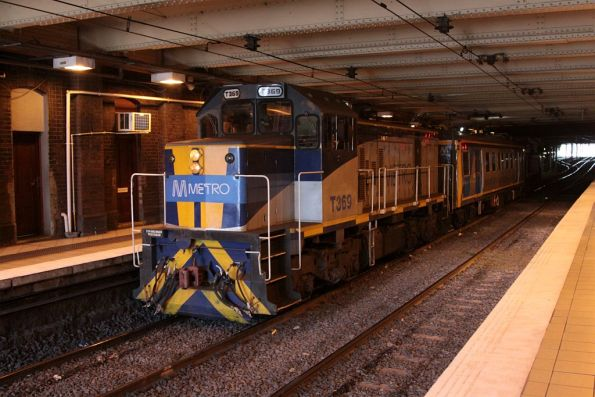 T369 leads the inspection train into Flinders Street Station