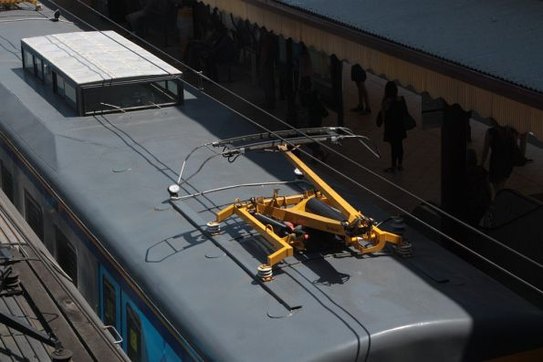 Lead pantograph raised for the inspection run