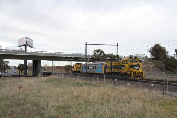 T385 and T381 push-pull with IEV102 on the up outside Ginifer, returning from Sunbury on an inspection run