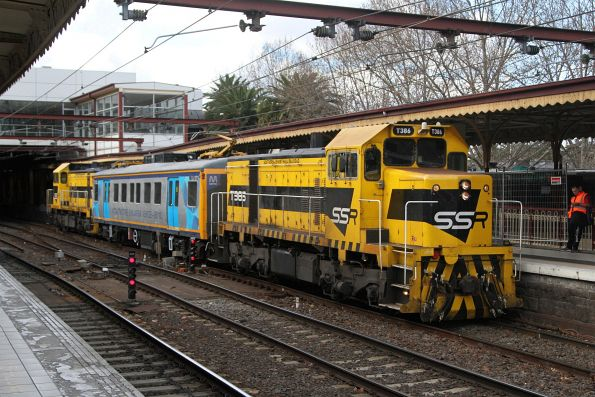 T386 leads IEV102 and T385 through Flinders Street platform 10 on an up inspection train ex-Sandringham