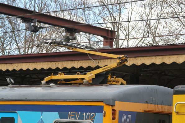 Pantograph raised for the inspection run
