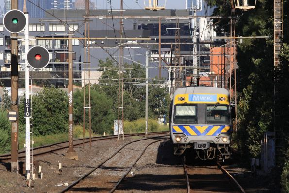 Alstom Comeng on the down approaches Glenferrie