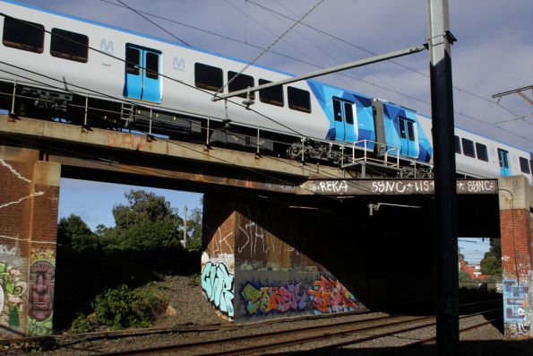 X'Trapolis 1M heads over the Burnley Flyover bound for Glen Waverley