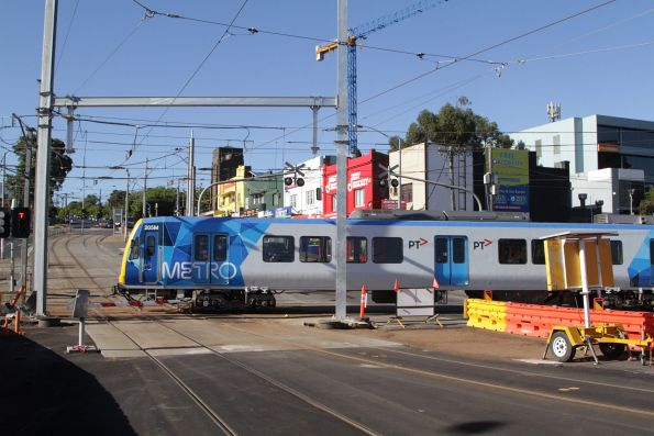 X'Trapolis 205M crosses the tram square at Gardiner station