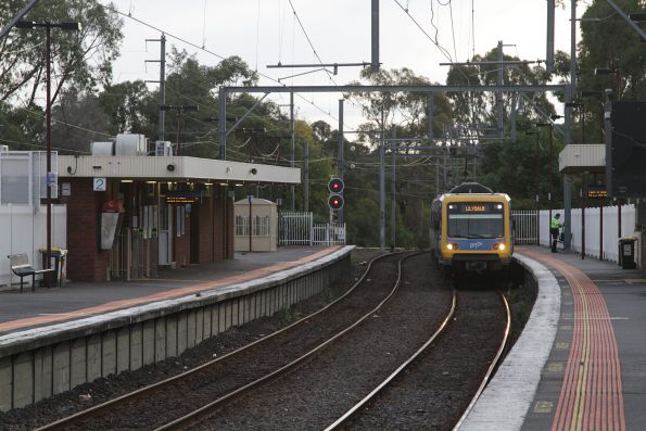 X'Trapolis arrives into Blackburn with a down Lilydale train