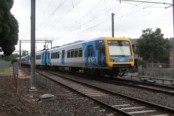 X'Trapolis 896M trails as a Camberwell bound empty cars move departs Riversdale