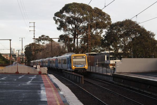 Metro Trains Melbourne - Burnley group - X'Trapolis train on a down Blackburn train arrives into Glenferrie station