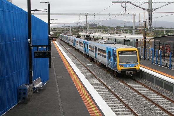 X'Trapolis 876M arrives into the new Heatherdale station with an up service
