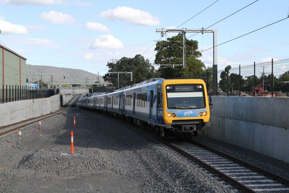 X'Trapolis 211M arrives into the new Bayswater station on the up