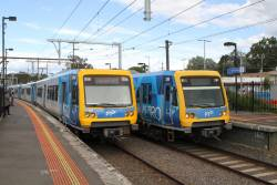 X'Trapolis 2M passes 876M at Mooroolbark station