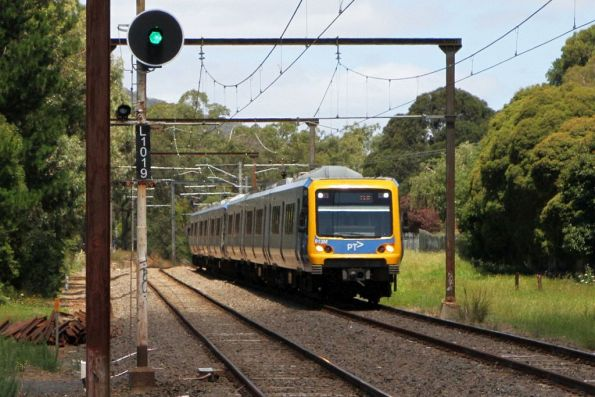 X'Trapolis 913M on an up Belgrave service outside Boronia