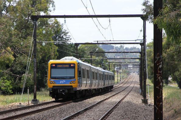 X'Trapolis 48M trailing an up Belgrave service outside Boronia
