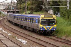 EDI Comeng on the up just outside Toorak