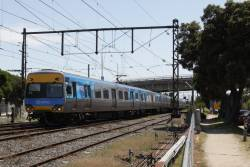 Comeng 698M arrives into Frankston on the down