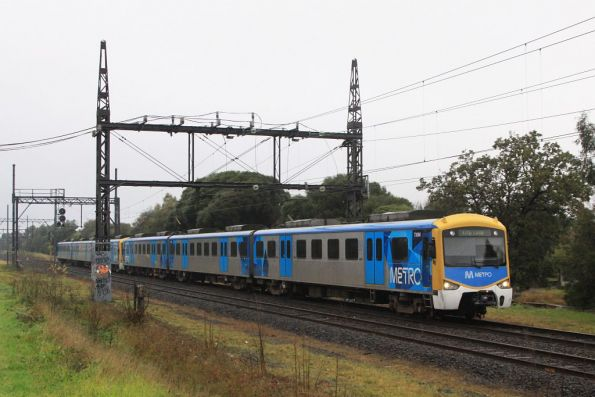 Siemens 736M between Huntingdale and Oakleigh