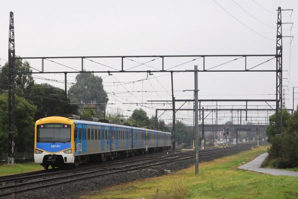 GSM-R trial set Siemens 736M arriving into Oakleigh