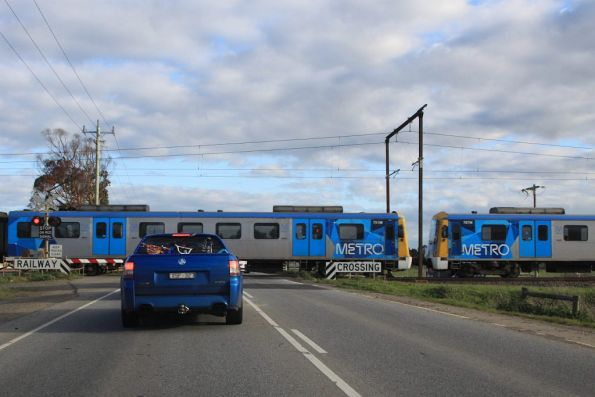 Siemens 791M  and 787M cross Cardinia Road, bound for the city
