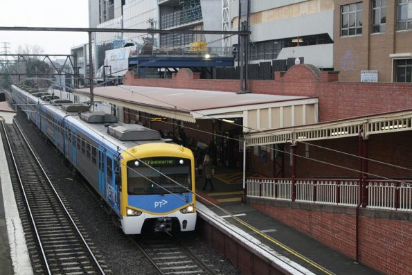 Siemens train arrives into South Yarra on a down Cranbourne service