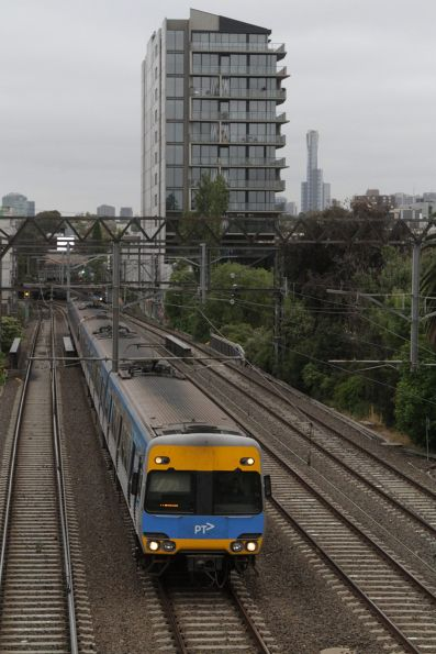 Alstom Comeng on a down Frankston service at Hawksburn