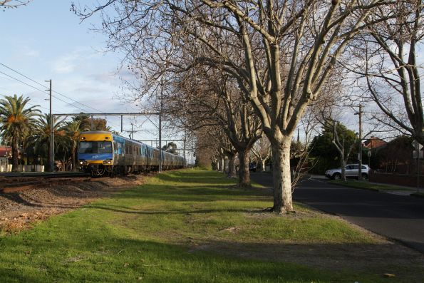 Alstom Comeng on an up Frankston service approaches Glenhuntly station on the up track