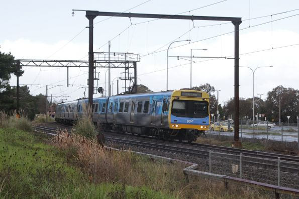 EDI Comeng departs Berwick station with an up Pakenham service
