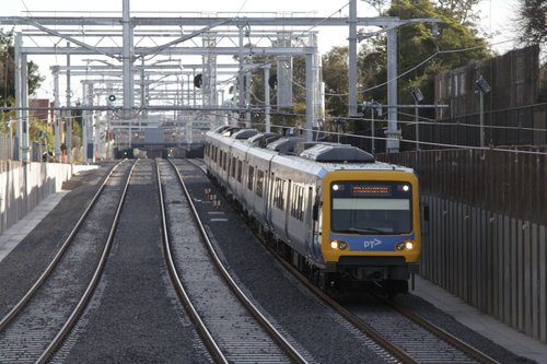 X'Trapolis 183M approaches the newly rebuilt low level station at McKinnon with a down Frankston service