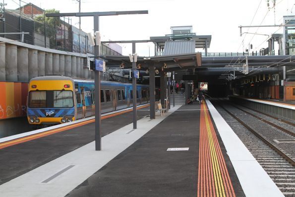 Alstom Comeng train departs Ormond station on the up