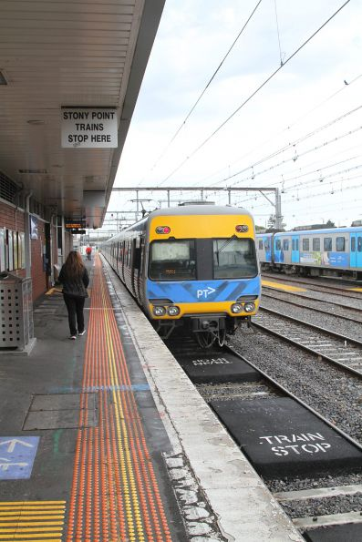 'Stony Point trains stop here' notice at Frankston platform 3