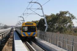 Life extension EDI Comeng 335M approaches Hughesdale station on a down Pakenham service