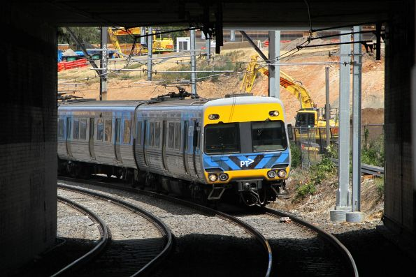 Alstom Comeng arrives into South Yarra station on an up Frankston service
