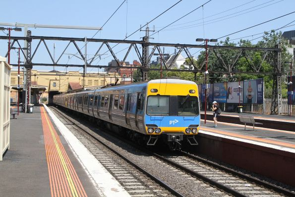 Alstom Comeng 538M arrives into South Yarra on an up Frankston service