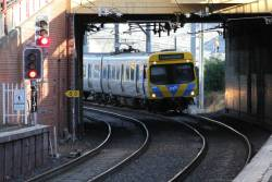 Life extension EDI Comeng 428M arrives into South Yarra on an up Frankston service