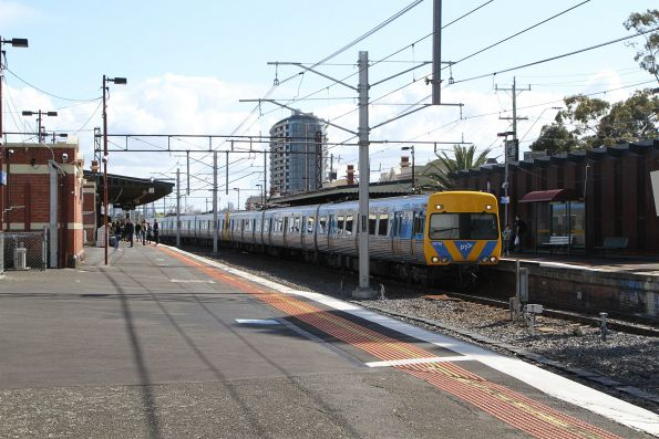 Life extension Alstom Comeng 567M arrives into Caulfield on a down Cranbourne service