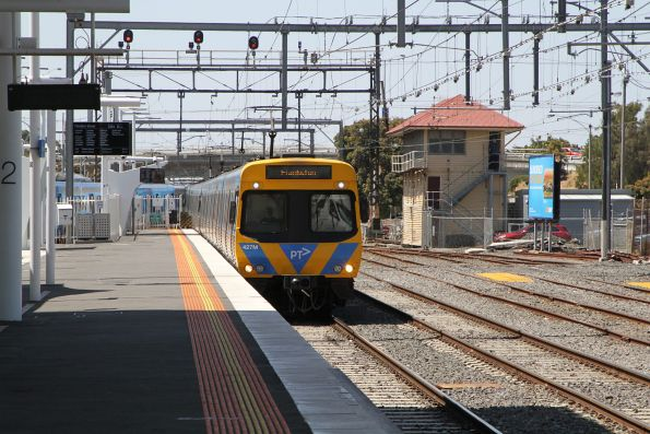 Life extension EDI Comeng 427M arrives into Frankston station
