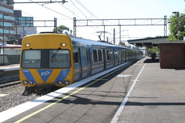 Alstom Comeng 640M waiting at Caulfield station on an up Frankston service