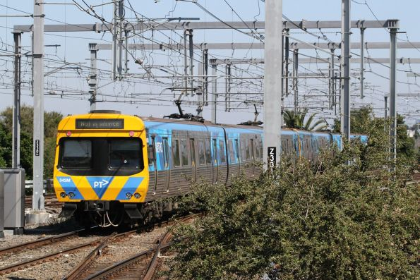EDI Comeng 343M trailing an up service out of Caulfield platform 3 towards the up Caulfield Through track