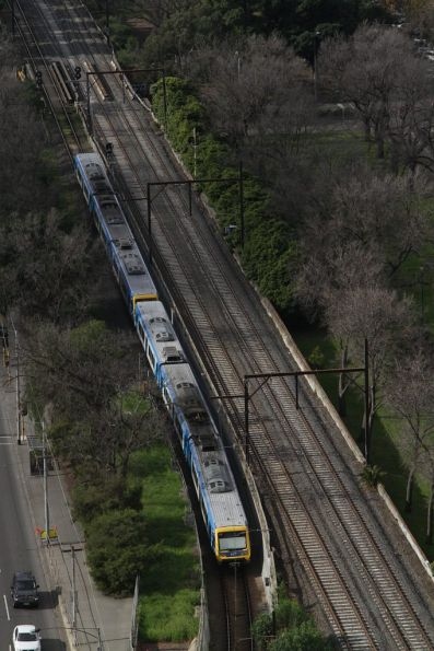 X'Trapolis train departs the Clifton Hill loop at Jolimont