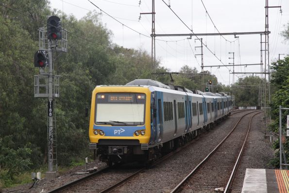 X'Trapolis 78M trails an up South Morang service out of Rushall