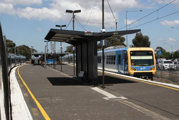 X'Trapolis 45M arrives into Lalor station on the down