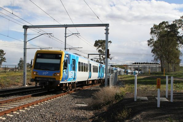 X'Trapolis 156M arrives into Middle Gorge on a down Mernda service