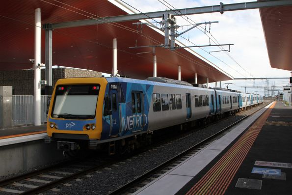 X'Trapolis 19M trailing at Middle Gorge on an up Mernda service