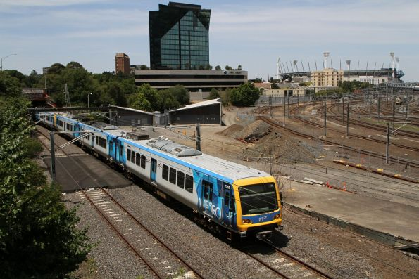 X'Trapolis 73M on the up at Flinders Street