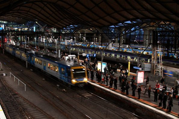 X'Trapolis arrives into platform 9 at Southern Cross