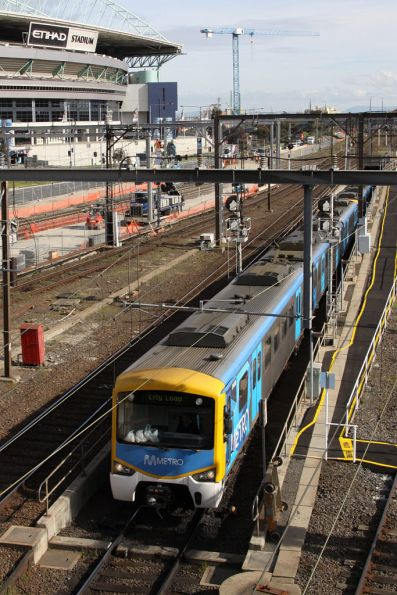 Siemens emerges from the Caulfield Loop portal at Southern Cross