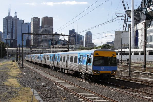 Alstom Comeng 606M on the down at Richmond Junction