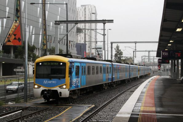Siemens 712M heads along the bypass track at Southern Cross Station, bound for Viaduct Junction