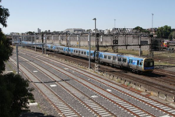 EDI Comeng 535M passes Franklin Street bound for Southern Cross